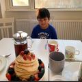 Pancake making with Carlitos