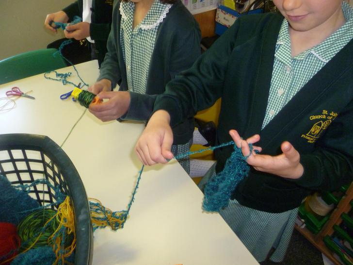 finger french knitting
