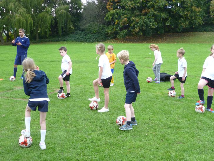 Footballers pose!