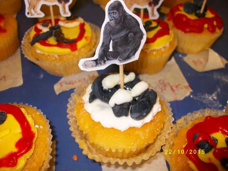 A tempting gorilla cake.