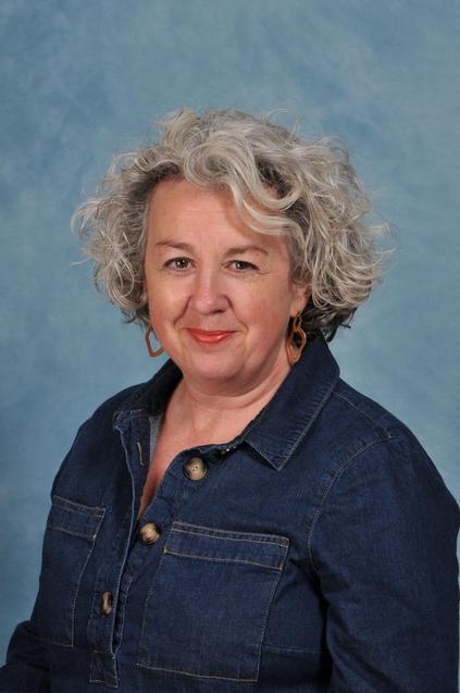 Mrs Amanda Aze Designated Safeguarding Lead (DSL)