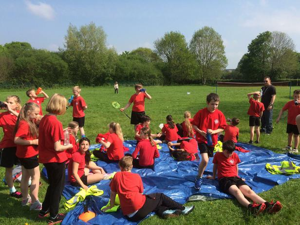 After a busy week, Y6 played games & made pizza!