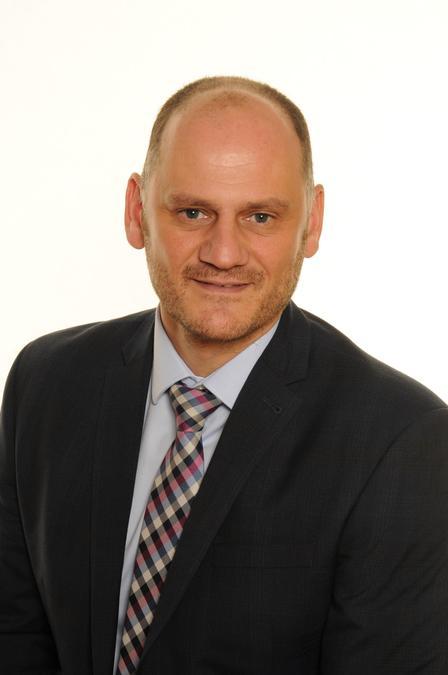 Mr G Rizzo, Principal