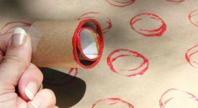Kitchen tube printing to make bauble pattern