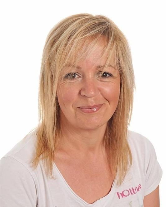 Mrs Hewitt-Richards - Year 5