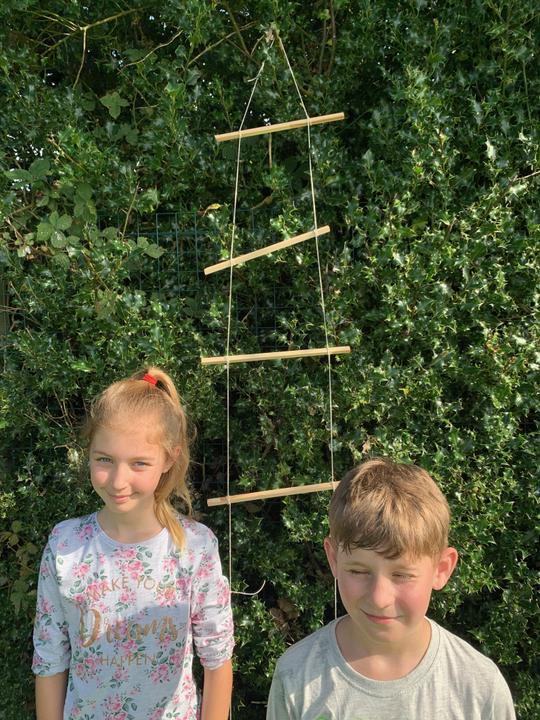 Forest School - Partner Work - Rope Ladder Using Marlin Spike Knot