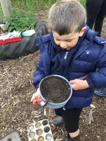 Making mud dragon eggs