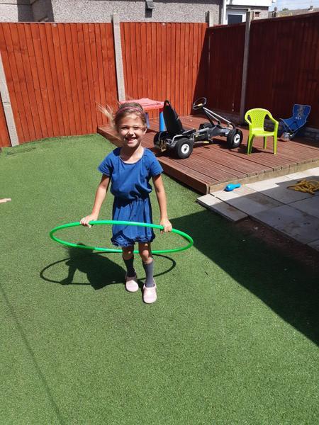 Great exercising Hannah outdoors. Looks fun!
