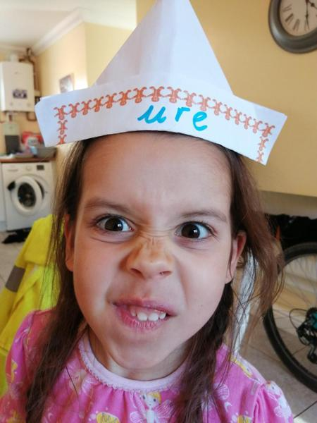 "What an amazing ""ure"" pirate hat Robyn!!"