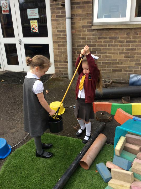 Reception have been searching for dinosaurs!