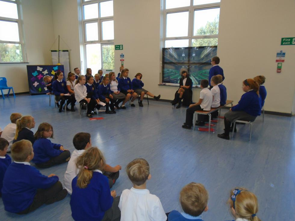 Should children wear school uniform?