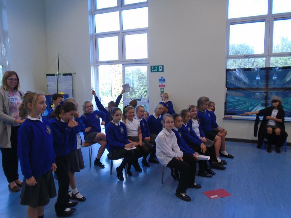 The result: Children should wear school uniform.