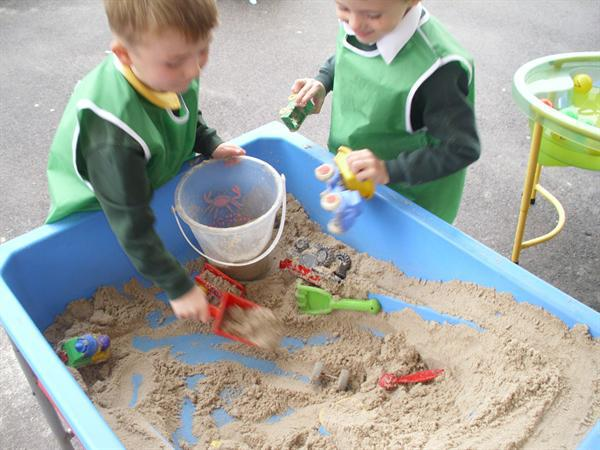 Team work in the sand