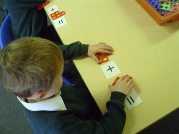 making number sentences with numicon