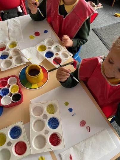With powder paints you can mix so many different colours!