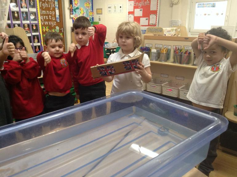 Experiment about floating and sinking.