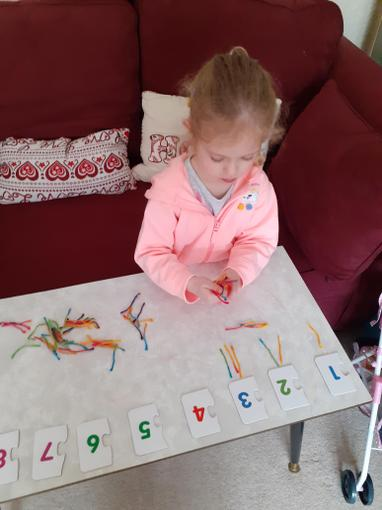 Chloe matching numeral and quantity