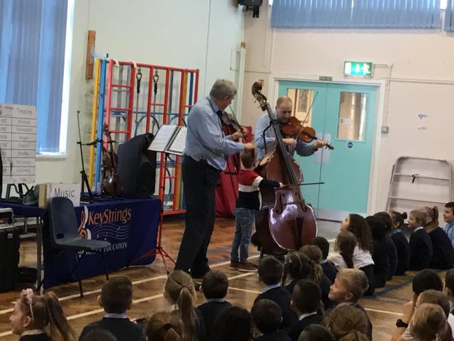The children were all keen to join in with the professional musicians.
