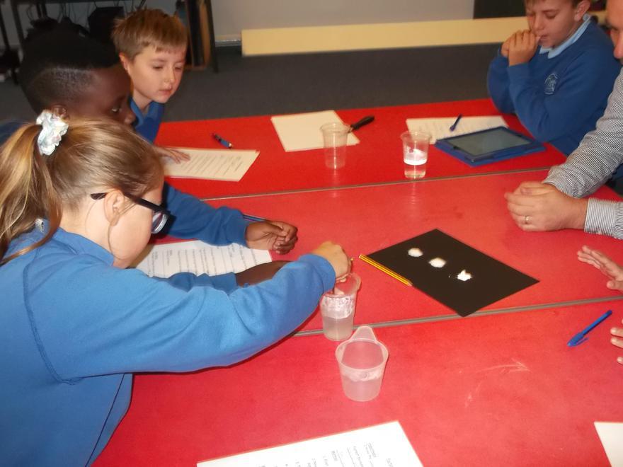 Science experiment - Dissolving Sugar