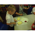 Y2 Making Dragon's Fire Sandwiches