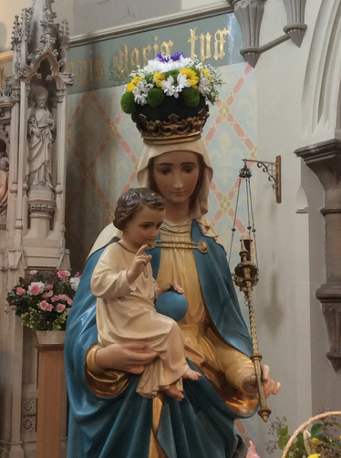 Our Lady crowned with flowers (May 2019)