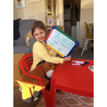 Olesya is learning to write split digraphs!