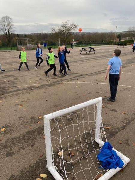 Lunchtime Handball Club