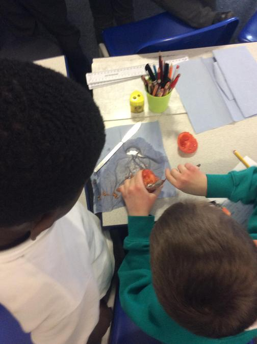 Mummifying a tomato in topic lessons