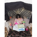 Making cosy reading dens to enjoy reading stories!