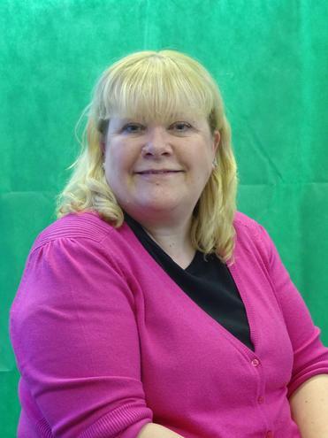Mrs Lisa Harrison - Librarian