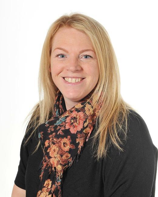 Mrs Kelly Hobson