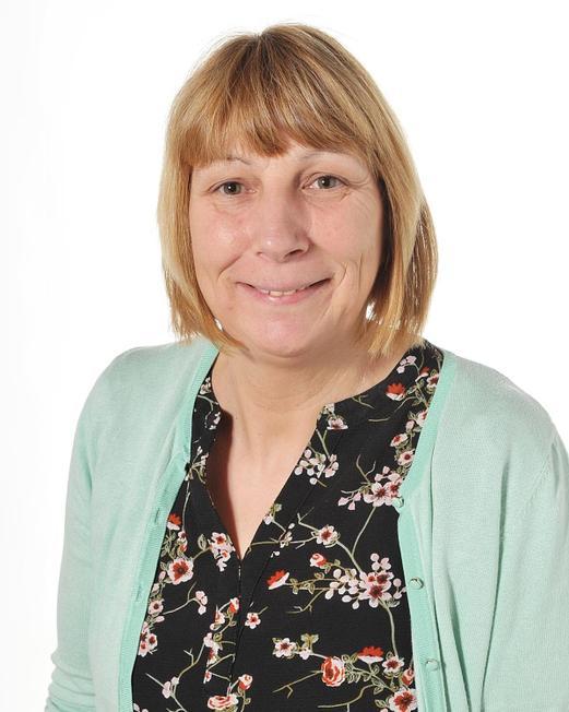 Mrs Lynda Nalton, Teaching Assistant