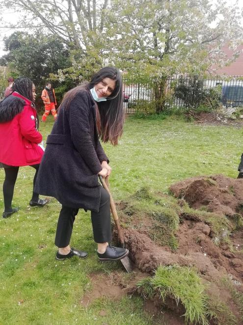 Mrs Rai, helping us dig!