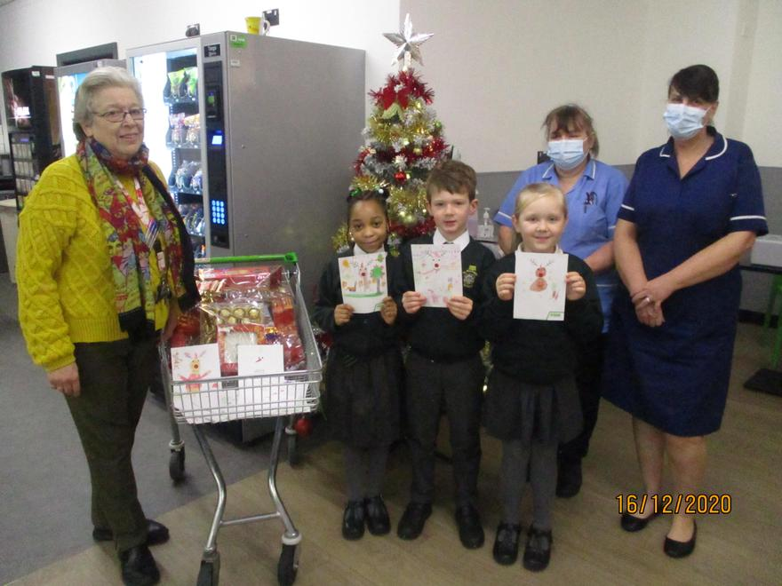 They met some of the carers and received a thank you treat for the class.
