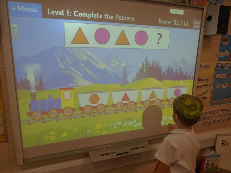 Patterns on the interactive whiteboard