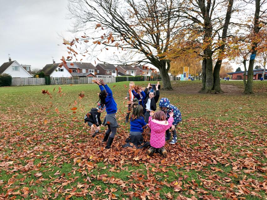 An impromptu Autumn celebration in playtime after golf!