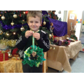 Year 1 make Christmas Wreaths!