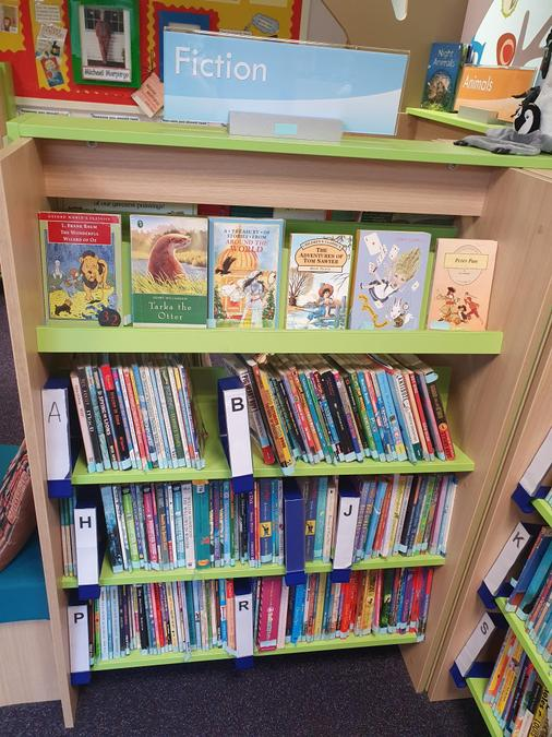 Fiction books by author for Key Stage 2.