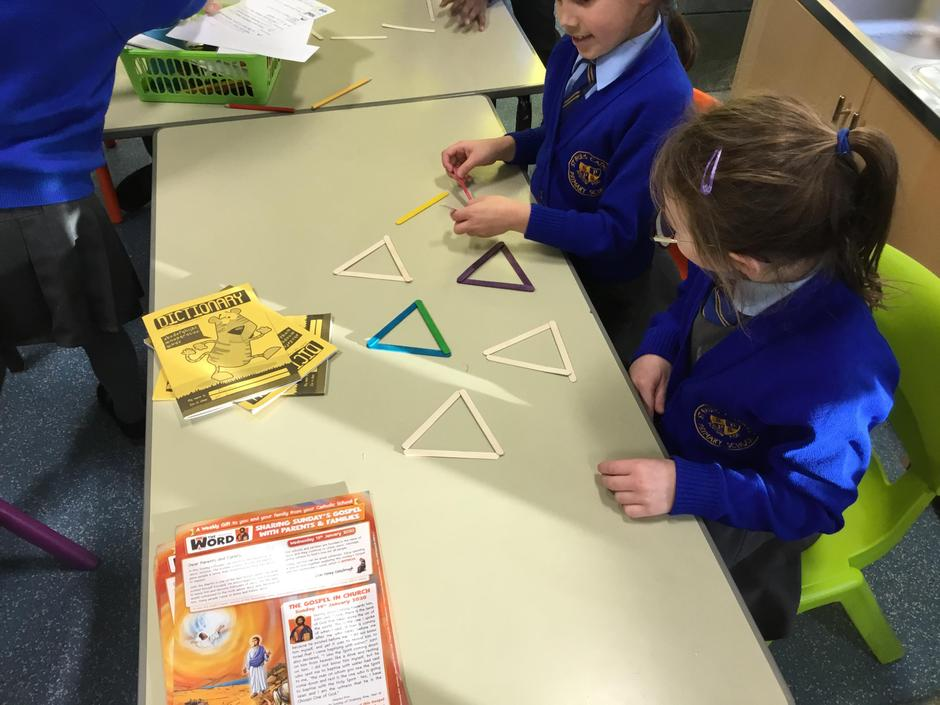 Making 2d shapes in Maths