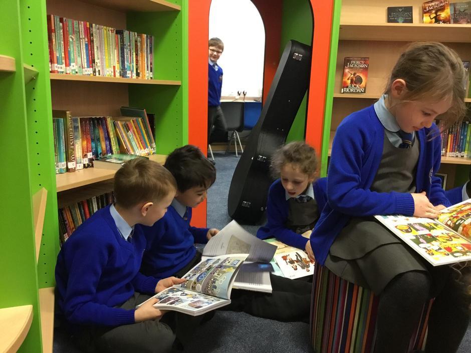 We love reading!!