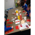 Making picture frames and using Chinese symbols