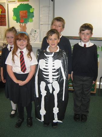 Bin Bag Skeletons!