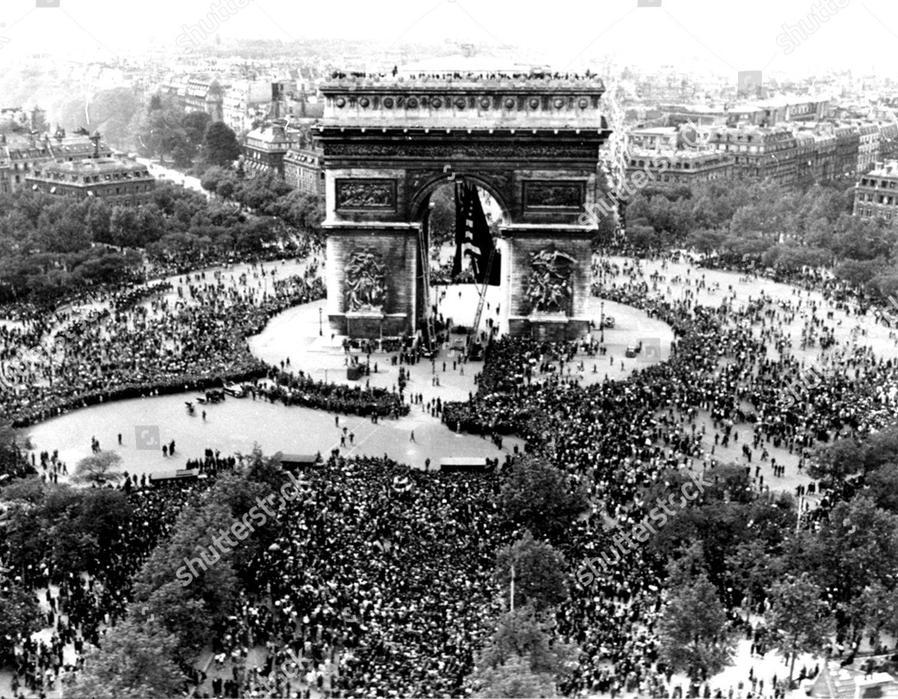 Arch de Triomphe VE Day 1945