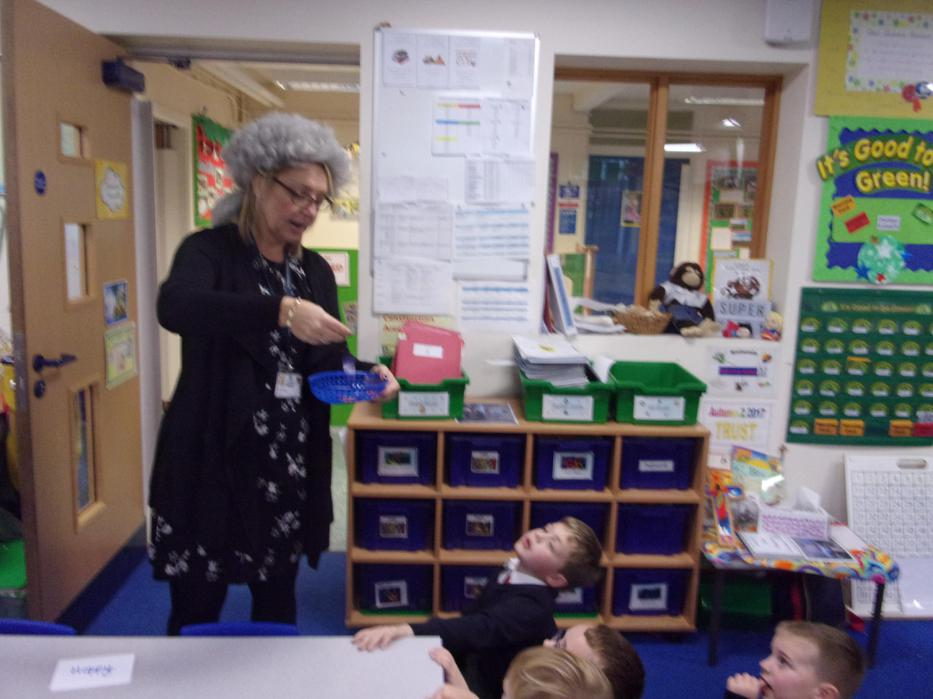 Mrs Klaassen counted the votes.