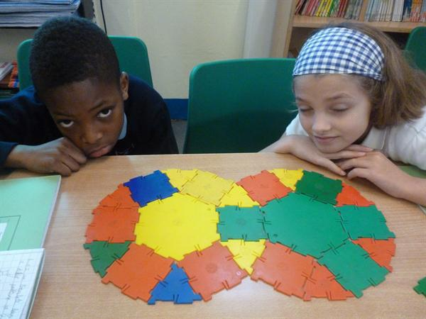 Creating complex patterns in maths.