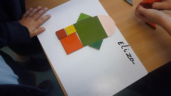 We can sort 2D shapes acoording to their names