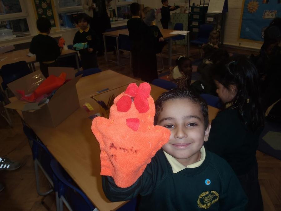 Puppet making in Y2.