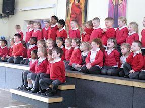 Reception singing 'Make A Face'.