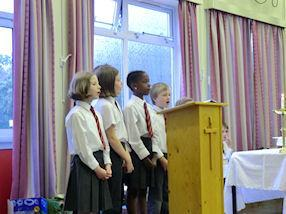 The children sang the Responsorial Psalm.