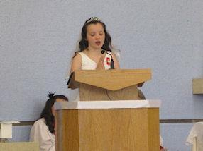 The Year 3 Holy Communicants lead the readings